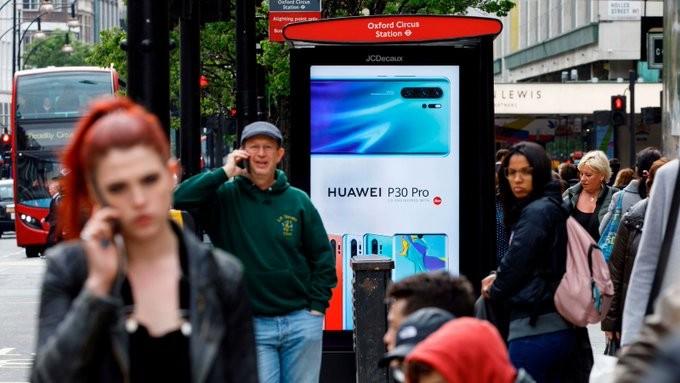 Ενόχληση από τις ΗΠΑ για το 5G «μπάσιμο» της Huawei στη Βρετανία