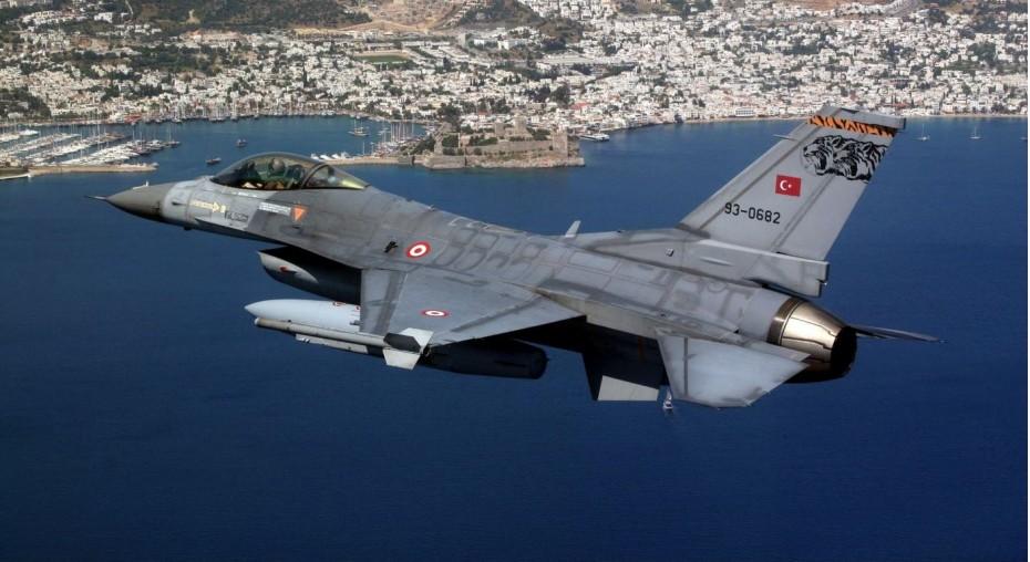 Τουρκικά F-16 πέταξαν πάνω από τη νήσο Λέβιθα