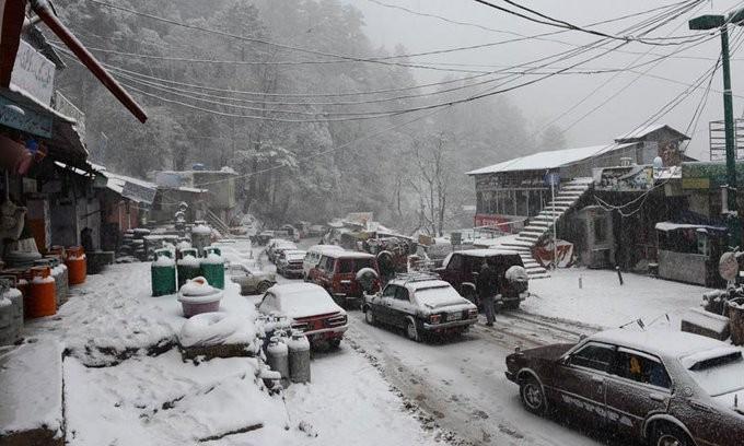 Δεκάδες νεκροί στο Πακιστάν από χιονοστιβάδες