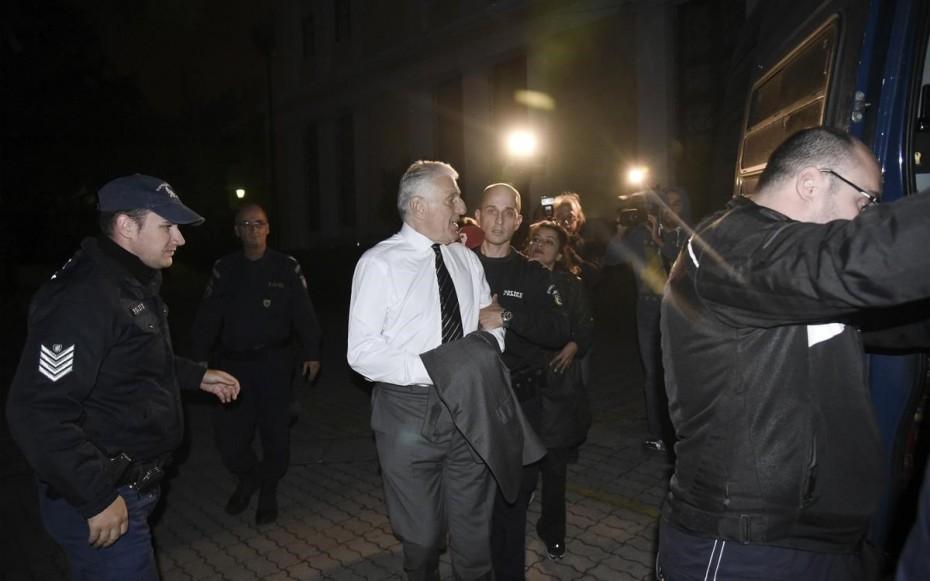 Πρόταση για παραπομπή Παπαντώνιου σε δίκη για την υπόθεση των υποβρυχίων