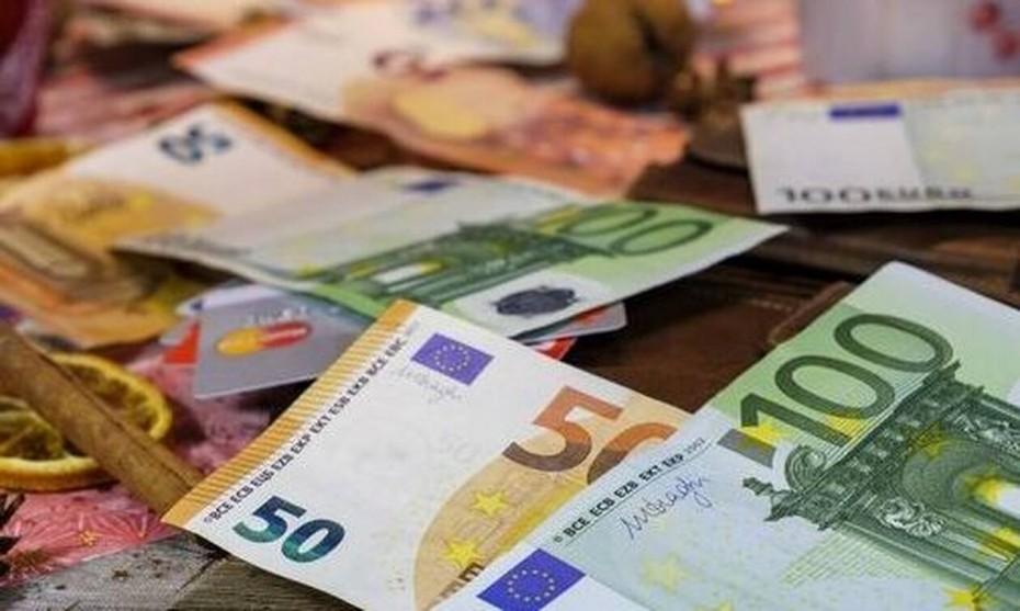 Με πρωτογενές πλεόνασμα στα 5 δισ. ευρώ έκλεισε το 2019