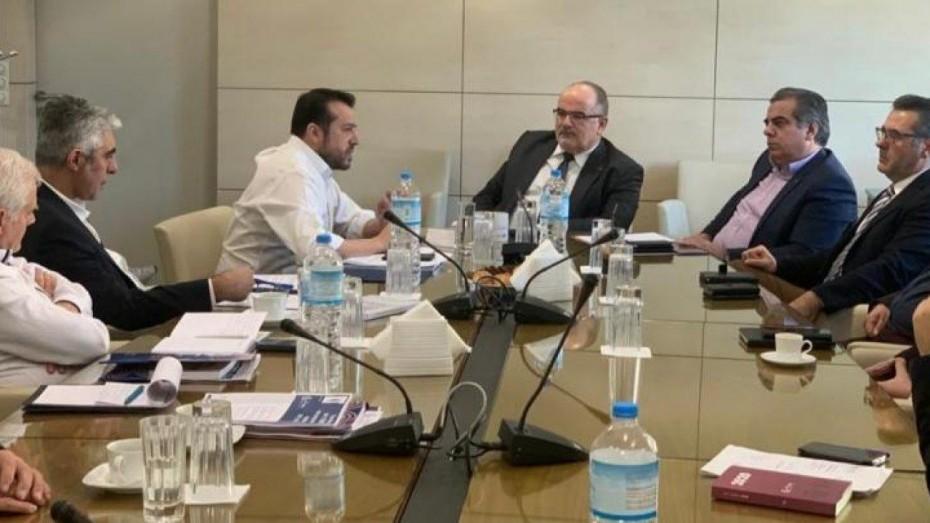 Ο ΣΥΡΙΖΑ μεταφέρει στη Βουλή τις θέσεις της ΓΣΕΒΕΕ για το σχέδιο «Ηρακλής»