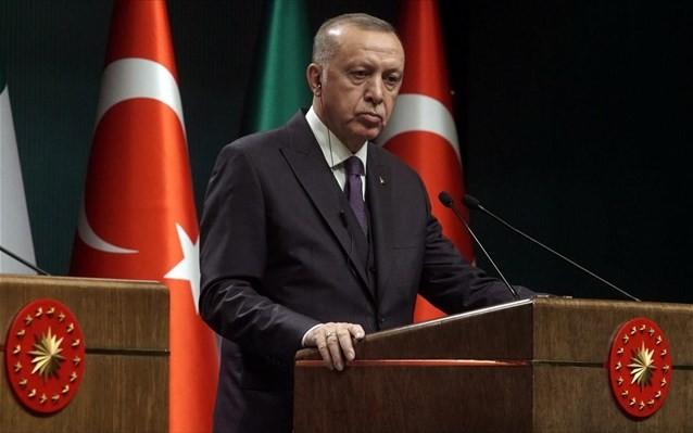 Εκ νέου οργισμένος κατά του Χάφταρ ο Ερντογάν