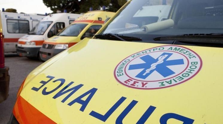 Τραγικό τροχαίο στην Κόρινθο - Οδηγός «καρφώθηκε» σε δέντρο