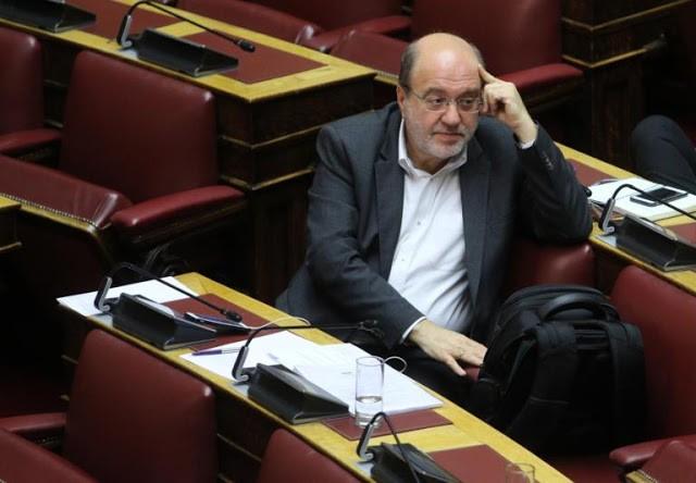 Λιποθυμικό επεισόδιο στη Βουλή για τον Αλεξιάδη του ΣΥΡΙΖΑ