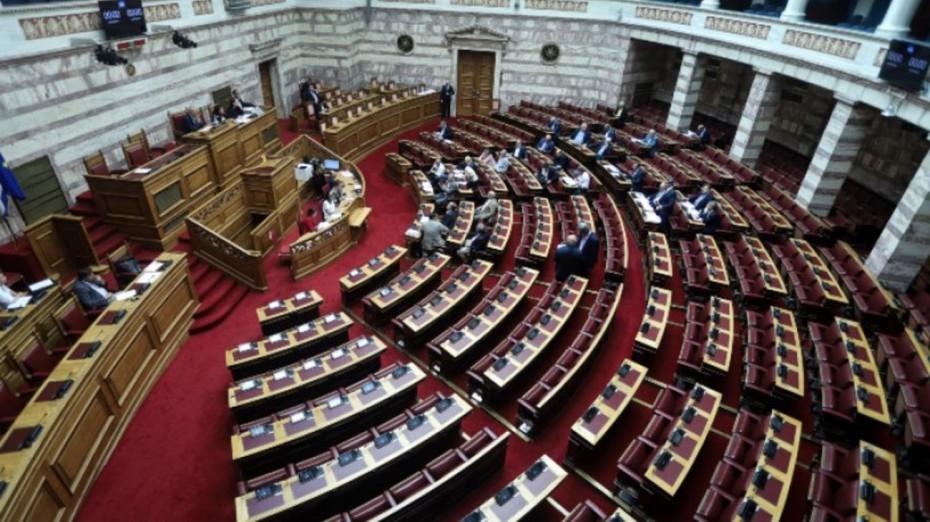 Έντονη κόντρα στη Βουλή για την αναβάθμιση της αμυντικής συνεργασίας με τις ΗΠΑ