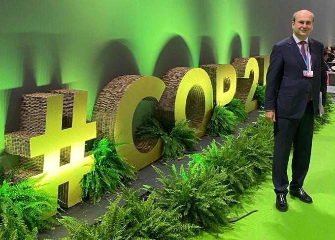 Συνεδρίασε υπό τον Χατζηδάκη η επιτροπή για την αντιμετώπιση της κλιματικής αλλαγή