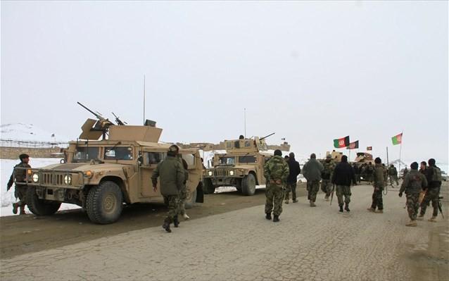 Συμφωνία ΗΠΑ με Ταλιμπάν για ανακωχή στο Αφγανιστάν