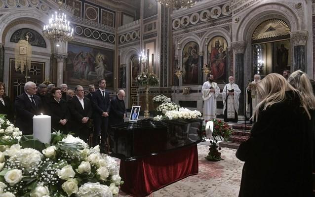 Έντονη συγκίνηση στην κηδεία του Κώστα Βουτσά