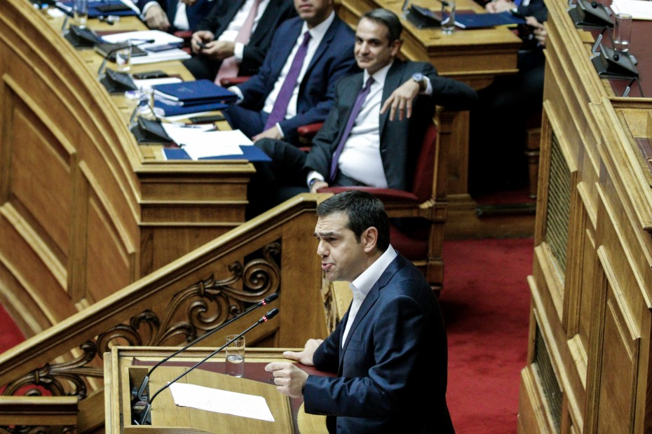 Ανέβηκαν οι τόνοι στη Βουλή για τα εργασιακά