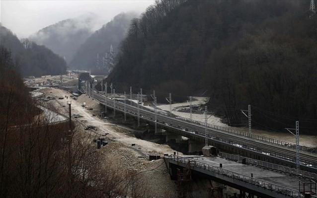 Λόγω του κοροναϊού, η Ρωσία αναστέλλει τη σιδηροδρομική σύνδεση με τη Β. Κορέα