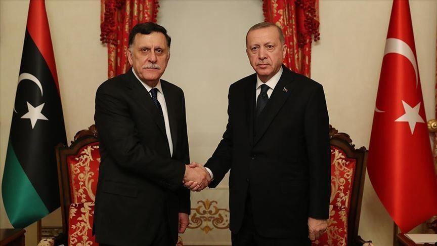 Συνάντηση Ερντογάν με τον Σάρατζ της Λιβύης στην Κωνσταντινούπολη