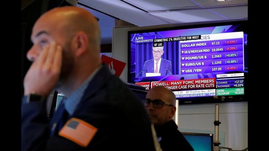 Με νέα ρεκόρ η Wall Street την Τρίτη, «κοιτώντας» τον Πάουελ