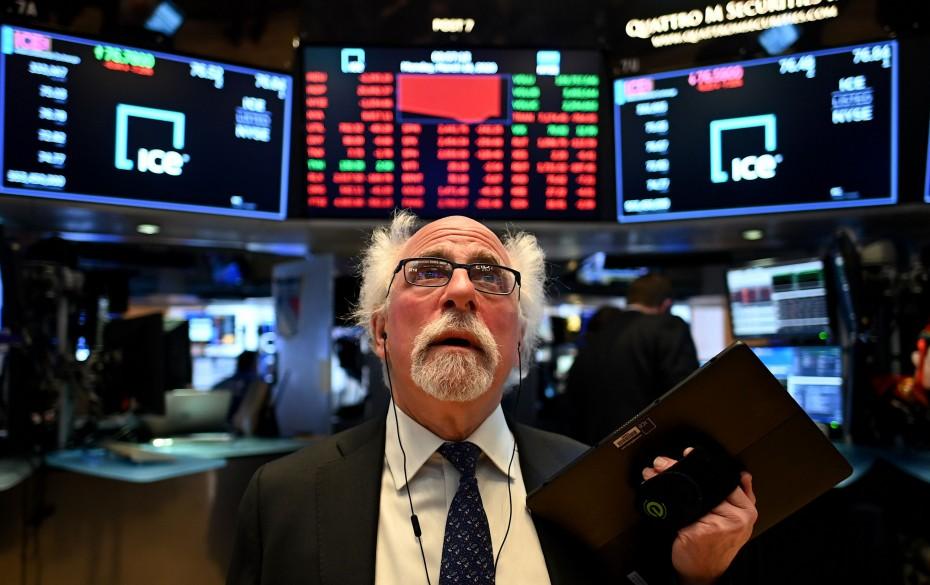 Και πάλι κάτω η Wall Street, μετά τα αμερικανικά μάκρο