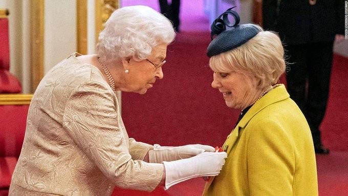 Βρετανία: Η βασίλισσα Ελισάβετ ακυρώνει τις εμφανίσεις της λόγω κοροναϊού