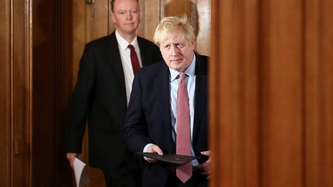 Πακέτο 330 δισ. λιρών δίνει η Βρετανία για τον κοροναϊό