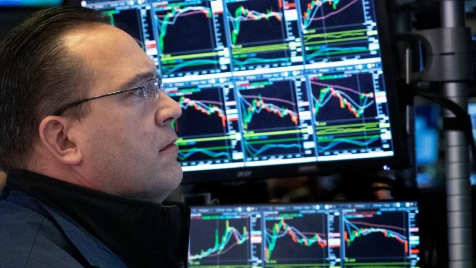 Προς νέο limit down η Wall Street