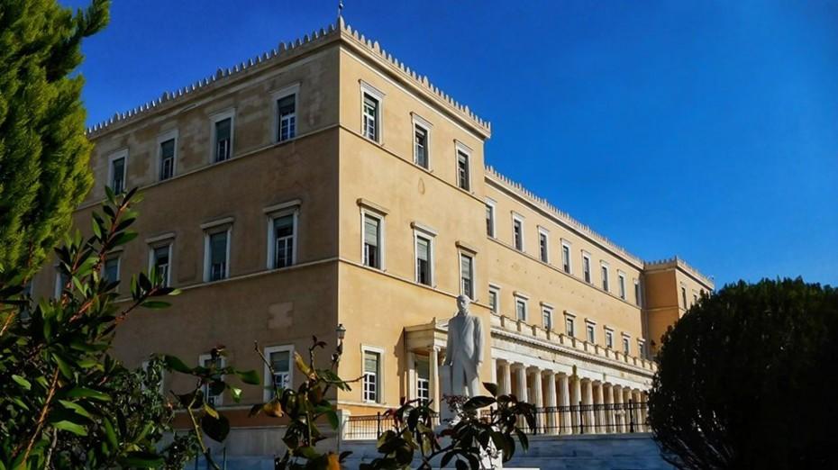 Κοροναϊός: Τα τρία σενάρια του Δημ. Συμβουλίου για την ελληνική οικονομία