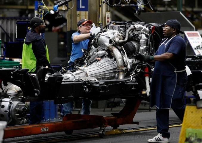 Η Ford αναστέλλει την παραγωγή αυτοκινήτων στη Βόρεια Αμερική