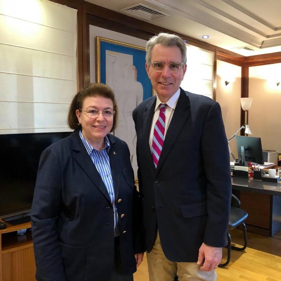Νέα συνάντηση της Μενδώνη με τον Αμερικανό πρέσβη