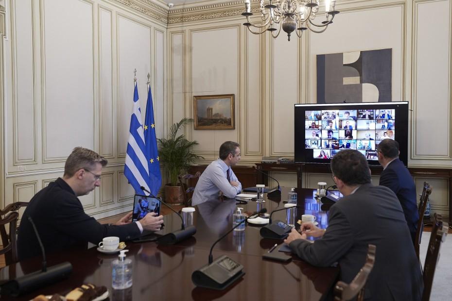 Μητσοτάκης σε υπουργικό: Λάβαμε έγκαιρα μέτρα για τον κοροναϊό