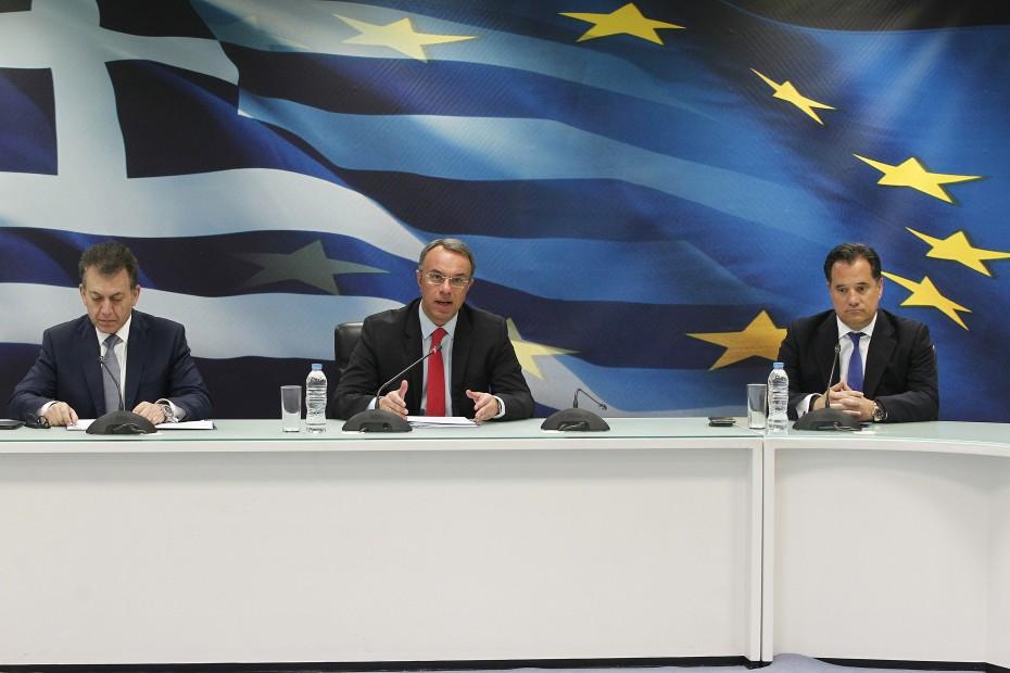 Παραδοχή Σταϊκούρα για ύφεση στην Ελλάδα λόγω του κοροναϊού