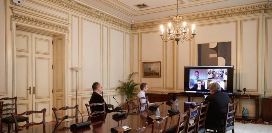 Τηλεδιάσκεψη Μητσοτάκη για την κατασκευή 3D μασκών