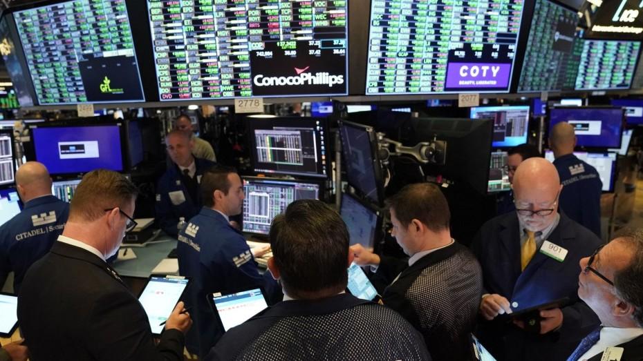 Ράλι κερδών στη Wall Street, προσδοκώντας υποχώρηση του κοροναϊού