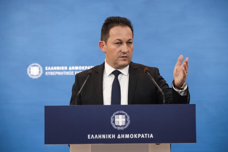 Πέτσας: Ο Γ. Βρούτσης απολαμβάνει της εμπιστοσύνης του πρωθυπουργού