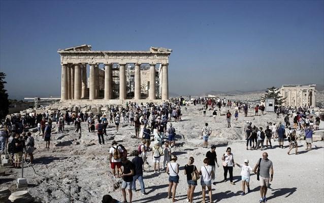 Τουρισμός: Οι μεγάλοι tour operators «βλέπουν» Ελλάδα
