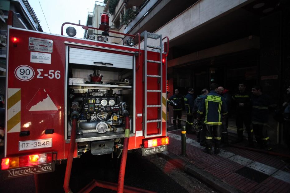 Μια γυναίκα νεκρή από πυρκαγιά σε διαμέρισμα στη Βούλα