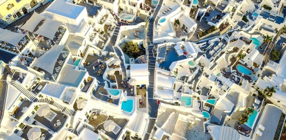 Όλοι οι προβολείς στον τουρισμό: Το restart, οι στόχοι και οι εκτιμήσεις