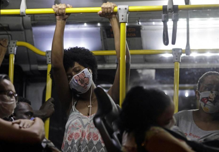 Βραζιλία: «Πυρά» για απόκρυψη θυμάτων της πανδημίας