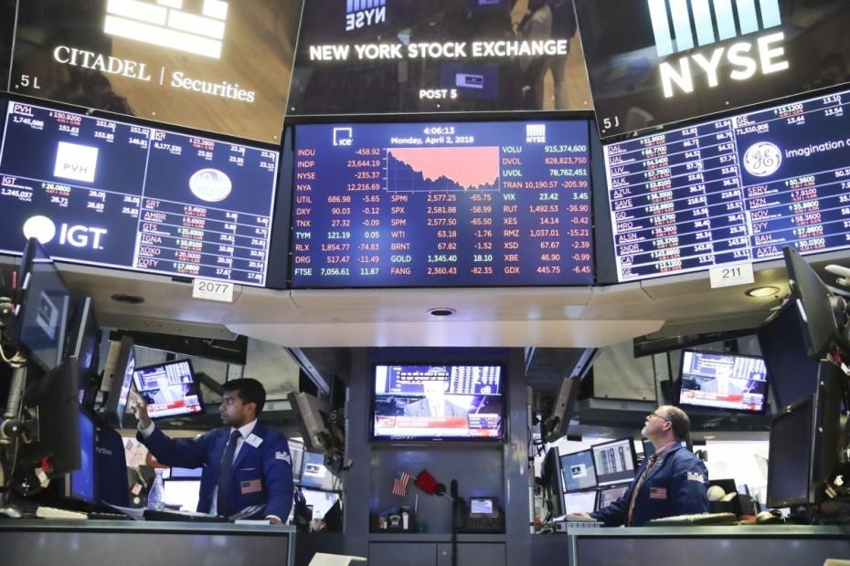 Απόπειρα ανασυγκρότησης στη Wall Street για την Παρασκευή