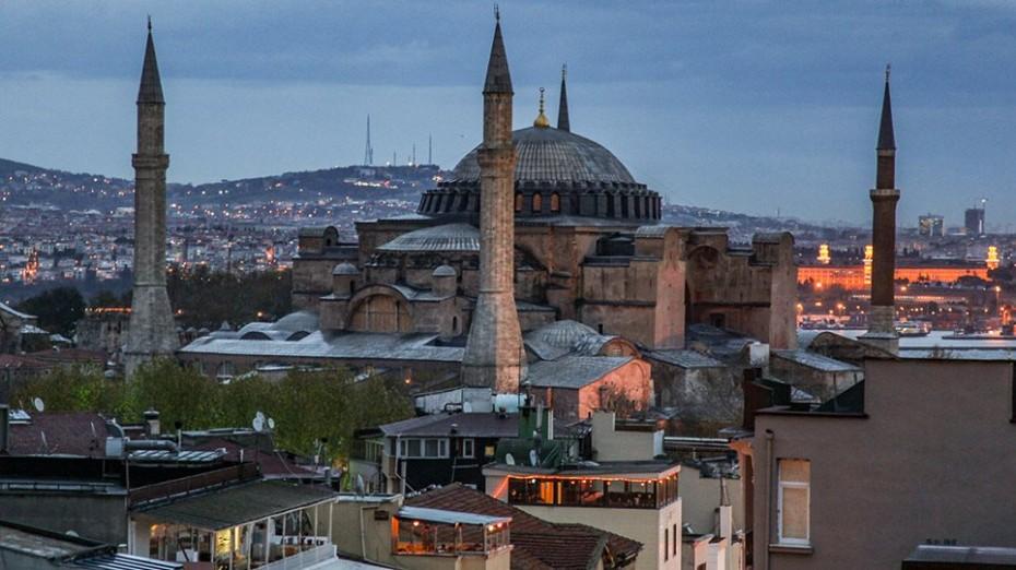 Τα τουρκικά ΜΜΕ «δείχνουν» σε μετατροπή της Αγιάς Σοφιάς σε τζαμί