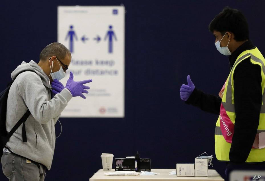 Στα 209.000 τα κρούσματα του κορονοϊού στη Βρετανία