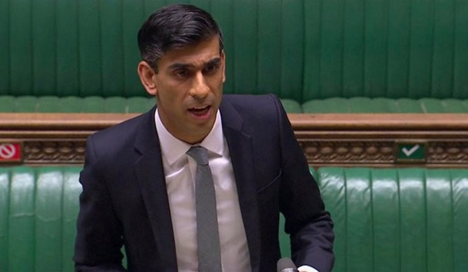 Η Βρετανία ανακοίνωσε μέτρα ύψους 30 δισ. στερλίνες για τη στήριξη της οικονομίας
