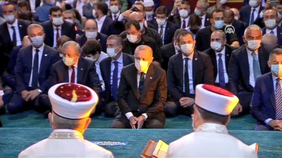 Spiegel για Αγία Σοφία: Εκνευριστική παράσταση του Ερντογάν