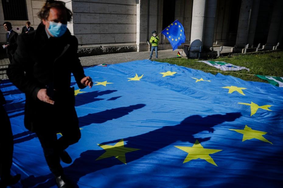 Μεγαλύτερη του 12% η ύφεση στην Ευρωζώνη για το β' τρίμηνο του 2020