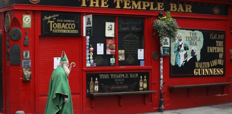 Μπαρ και κλαμπ κλειστά στην Ιρλανδία έως τις 10 Αυγούστου