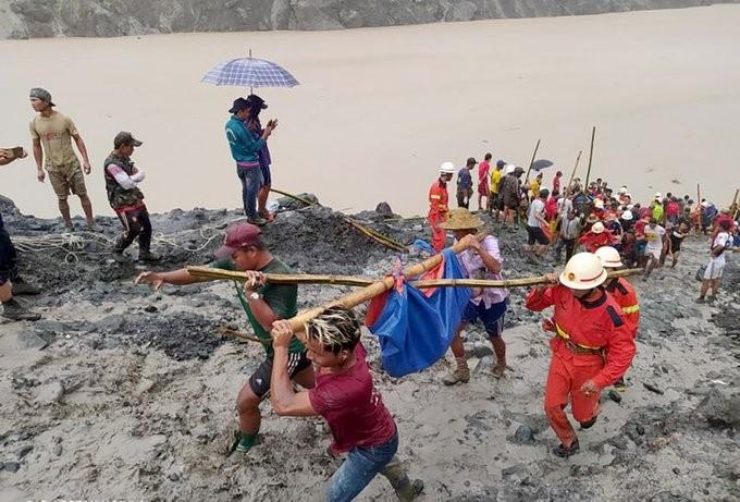 Πάνω από 140 νεκροί από κατολίσθηση σε ορυχείο νεφρίτη στη βόρεια Μιανμάρ