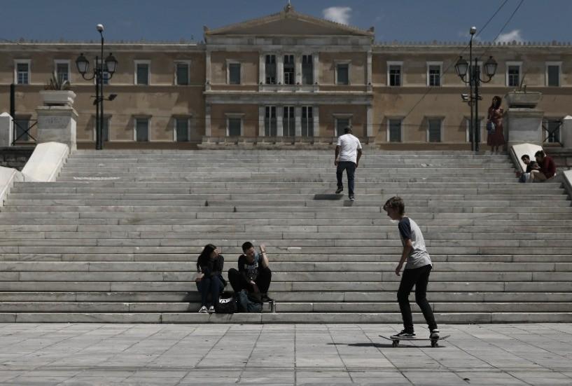 Πάνω από το 18% η διαφορά ΝΔ - ΣΥΡΙΖΑ σε νέα δημοσκόπηση