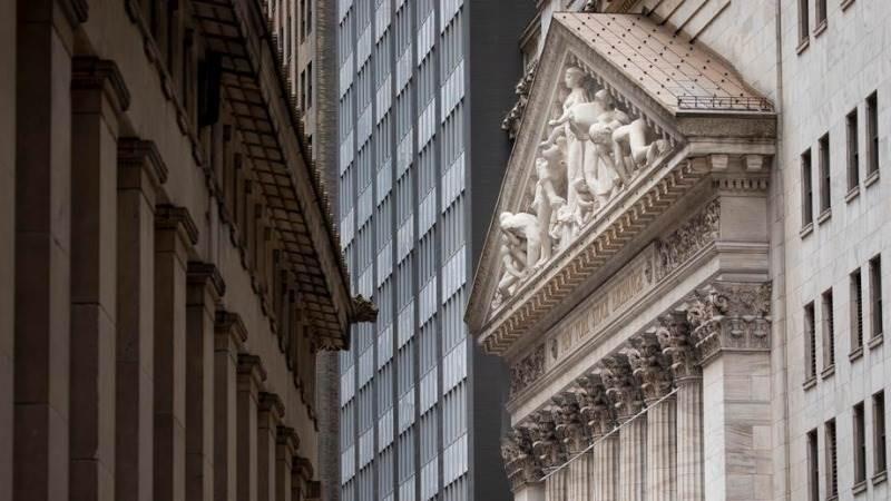 Θετικά πρόσημα στη Wall Street για την Τετάρτη