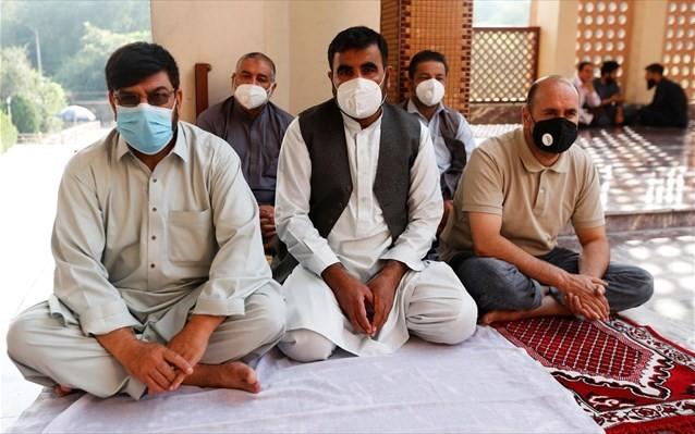 Σχεδόν το ένα τρίτο των Αφγανών μολύνθηκαν από τον κορονοϊό