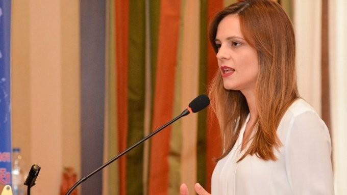 Αχτσιόγλου: Αλαζονική η απόφαση Μητσοτάκη για τα αναδρομικά