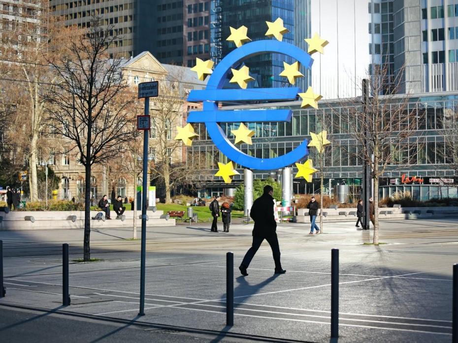 Σταθερή η οικονομία της Ευρωζώνης για τον Ιούλιο