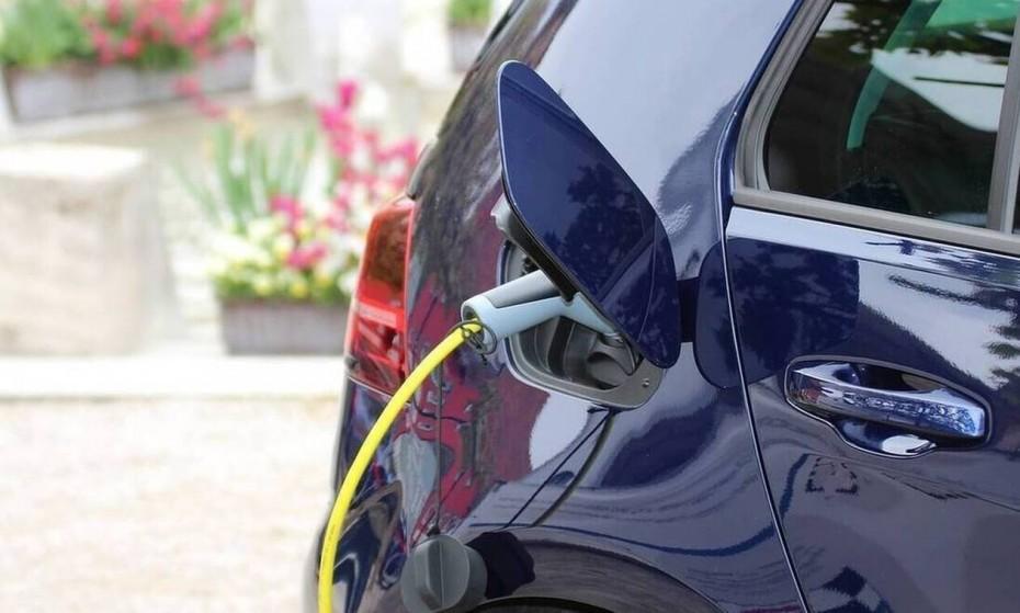 Επιλέξιμες από σήμερα οι δαπάνες για την αγορά ηλεκτρικών οχημάτων