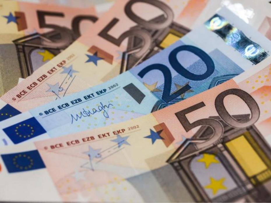 Πάνω από 2,4 δισ. ευρώ τα «φέσια» του Δημοσίου τον Ιούνιο