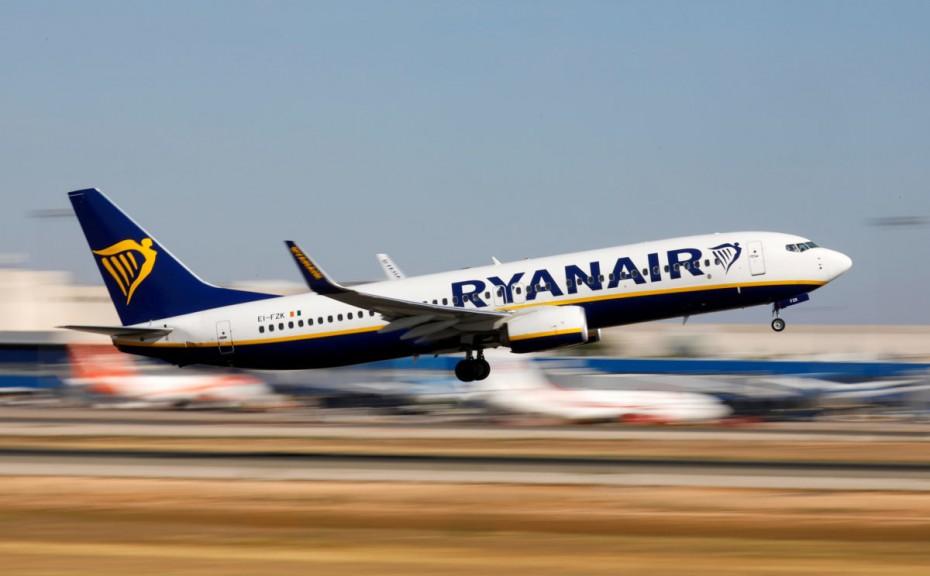 «Κόφτης» στις πτήσεις της Ryanair Σεπτέμβριο κι Οκτώβριο