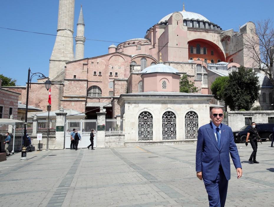 «Καμία συμφωνία Ελλάδας - Αιγύπτου» τόνισε ο Ερντογάν - Ξανά στο Αιγαίο το Barbaros